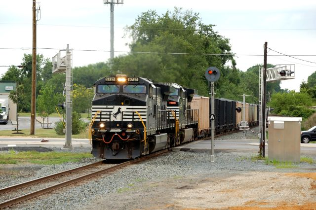 NS 12G at Boyds Crossing